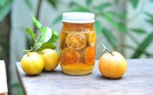 Mật ong ngâm chanh đào là thức uống gia đình nào cũng nên có